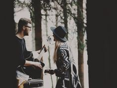 Every love has its own song. #pikselove #couple #music #engagement #wood #band