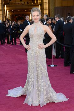 My vote for best dressed: Amanda Seyfried - Oscars 2013 - Alexander McQueen