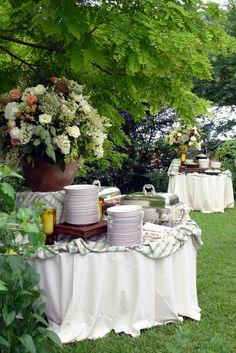 Garden party buffet Different tables Wedding Buffet Menu, Party Buffet, Wedding Reception, Wedding Ideas, Wedding Rustic, Wedding Blog, Buffet Set, Buffet Tables, Buffet Ideas