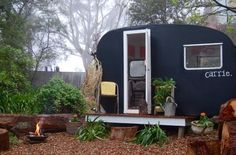 How adorable is this super stylish caravan? The gorgeous Carrie is an Australian 1950s Castle caravan bought on eBay by stylist Jane Frosh and collected... Read More