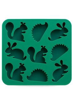 See the Frost for the Trees Ice Cube Tray. Spruce up your mojitos and lemonade punch with the playful woodland creatures cast by this Kikkerland ice cube tray! Ice Cube Molds, Ice Cube Trays, Ice Cubes, Woodland Creatures, Woodland Animals, Woodland Critters, Forest Animals, Vintage Kitchen, Retro Vintage