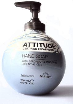 Mydło w płynie kanadyjskiej marki ATTITUDE o pięknym zapachu bergamotki i mandarynki Tangerine.   Mydełko jest produktem ekologicznym i wegańskim. Marka ATTITUDE jako pierwsza na świecie zadbała, by jej produkty spełniały rygorystyczne normy neutralności emisji CO2.