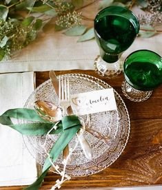 Emerald wedding inspiration via Coastal Bride Decoration Inspiration, Wedding Inspiration, Wedding Ideas, Trendy Wedding, Wedding Details, Wedding Table, Wedding Reception, Table Verte, Emerald Green Weddings