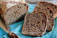 Pane di segale - Pane nero fatto in casa ricetta Bonci.Scuro,ricco di fibre,povero di carboidrati,tante vitamine e sali minerali. Utile per la nostra salute