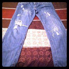 Stylish distressed straight leg boyfriend jeans! Distressed boyfriend jeans by Mudd. Paint splatters add to the distressed look. Soo cute!! Size 5 Mudd Jeans Boyfriend