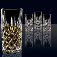 Met deze Nachtmann longdrinkglazen haal je luxe in huis! De glazen zijn gemaakt van het meest fijne kristalglas, dat dankzij de hardheid kraakhelder en zeer krasbestendig is. Daardoor gaan de glazen jarenlang mee en kunnen ze gewoon in de vaatwasser.