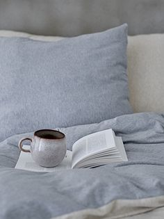 This small Sandrine cup is perfect for your morning cup of coffee. The cup is made of stoneware with a gloss finish and comes in a grey/brown color. Also available in blue. Benjamin Moore Bedroom, Scandinavian Design Centre, Image Deco, Mugs And Jugs, Natural Accessories, Grey Wood, House Doctor, Deco Design, Decoration Table