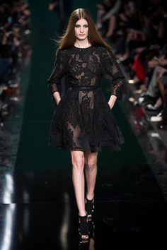 Elie Saab Fall-winter 2014-2015 - Ready-to-Wear - http://www.flip-zone.net/fashion/ready-to-wear/fashion-houses-42/elie-saab-4631 - ©PixelFormula