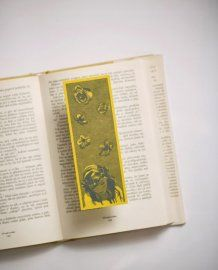 Alice in Wonderland by Bookmarklovers on Etsy Classic Literature, Alice In Wonderland, Bookmarks, Origami, Handmade Gifts, Etsy, Kid Craft Gifts, Marque Page, Craft Gifts