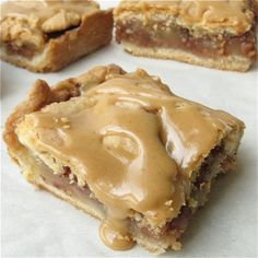 """Old-Fashioned Apple Slab - Perfect apple pie! A flaky, tender crust. cinnamon-y apple filling. An ideal """"apple pie"""" for potlucks and other occasions when you want a larger number of smaller servings.-(and other apple recipes) Oreo Dessert, Dessert Bars, Köstliche Desserts, Dessert Recipes, Recipes Dinner, Apple Desserts, Dessert Healthy, Health Desserts, Apple Recipes"""