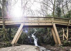 Eight-kilometre-long mountain walkway captured in new photography by Nelson Garrido