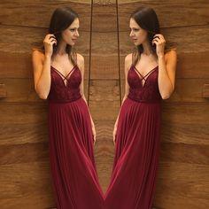 E para comemorar o dia internacional das mulheres, o que acham do nosso vestido longo Moody? ✨ {Ref:12196} #vestidodefesta #8marco #mulher #voudedolps