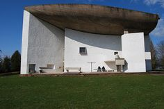 Le Corbusier: I have seen it in de landscape. It's very special.