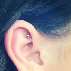 Pick your favorite type and get that ear piercing done. Opt for different ear piercing combination. You are bound to look drop dead gorgeous and charming.