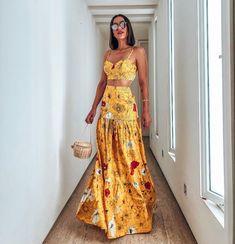 Skirt like this for the bride Beachwear Fashion, Boho Fashion, Fashion Dresses, Skirt Outfits, Chic Outfits, Trendy Outfits, Night Outfits, Summer Outfits, Summer Dresses