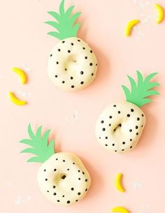 How to Throw a Tropical Pastel Spring Party - pineapple donuts … Halloween Donuts, Cute Donuts, Yummy Donuts, Mini Doughnuts, Diy Donuts, Healthy Donuts, Tropical Party, Partys, Donut Recipes