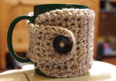Crochet Coffee Cup Cozy - Lion Brand Tweed Stripes - Caramel Color - Button Up Cup Sleeve Crochet Coffee Cozy, Coffee Cup Cozy, Mug Cozy, Coffee Cups, Crochet Crafts, Yarn Crafts, Crochet Projects, Crochet Ideas, Crochet Patterns