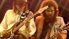 "Southern Rock Meets Texas Blues When Stevie Ray Vaughan Joins Skynyrd For ""Call Me The Breeze"""