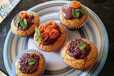 A receita tradicional de bolo de cenoura em uma versão moderninha de cupcake, semglúten e sem lactose! Receita da nossa mais nova colunista Danyele Sell