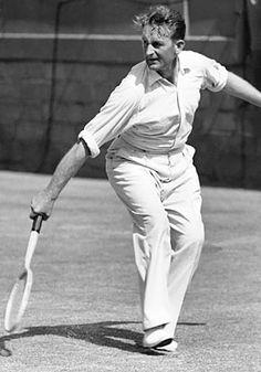 Jack Crawford tennis vann 1933 herr singeln över Ellsworth Vines 4-6, 11-9, 6-2, 2-6, 6-4.