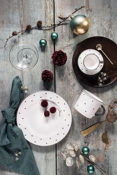 Wie wär es zu Weihnachten einmal mit Grau und Herzerl? Ceramic Pottery, Ceramics, Sweet, Jewelry, Seasons, Handmade, Gray, Xmas, Ceramica