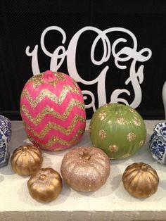 Glitter Pumpkins. Pretty much LOVE this idea to decorate with! <3