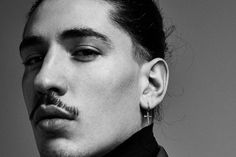 With his high-fashion looks and outspoken views, footballer Héctor Bellerín is breaking the modern sportsman mould, finds Ellie Pithers. Rachel Brown, Tyler Johnson, Suranne Jones, Christopher Raeburn, High Fashion Looks, Burberry Trench Coat, Hair Pulling, Male Style, Knee Injury
