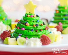 Christmas Tree Pancake Stacks with Almond Flavored Pancakes - Sprinkle Some Fun Christmas Candy, Christmas Desserts, Simple Christmas, Christmas Baking, Merry Christmas, Christmas Shopping, Christmas Foods, Christmas 2016, Christmas Traditions