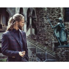 Photo by @esrasam #esrasamphotography #bendahlhaus Outfit: Paisley - Assistant: @thomasthoene #schlossburgsolingen