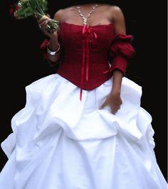 Jupe blanche ample avec traine et bustier rouge