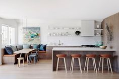 Modern Kitchen Interior Kitchen Trends — Breakfast Banquettes - Six months into we're breaking down the top kitchen trends of Find out how you can upgrade your own space. Kitchen Living, New Kitchen, Kitchen Decor, Living Room, Cozy Kitchen, Family Kitchen, Kitchen Small, Rustic Kitchen, Country Kitchen