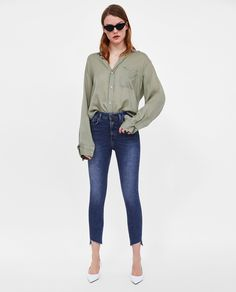 ZARA - WOMAN - Z1975 HIGH WAIST JEANS WITH BUTTON FASTENING