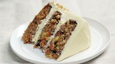 The Ultimate Classic Carrot Cake Recipe Sweet Desserts, Delicious Desserts, Classic Carrot Cake Recipe, Cake Recipes, Dessert Recipes, Cinnamon Cream Cheeses, Round Cake Pans, Food Trends, Carrots