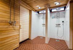 Myös suihkutilat kokivat muodonmuutokset rantasaunan remontin yhteydessä.