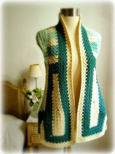 I'm all about knitting this days…simple knitting nothing fancy and, while I'm working with a furry yarn, my mind wonders around the idea of...