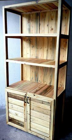 Estante com madeira de palete.
