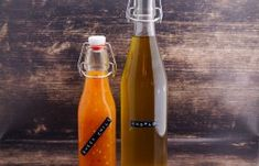 Chili Sauce, Sweet Chili, Hot Sauce Bottles, Water Bottle, Drinks, Breakfast Snacks, Glass Bottles, Red Wine, Homemade