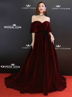 (Burgundy Velvet Dress Long) – In Stock:Ship in 48 Hours Burgundy Velvet Off The Shoulder Pro… Burgundy Dresses at … can be found in all designs & initial prints. Find Burgundy Dresses that fit your personal design! Ball Dresses, Ball Gowns, Prom Dresses, Dresses With Sleeves, Formal Dresses, Wedding Dresses, Dress Prom, Gown Dress, Velvet Dress Formal