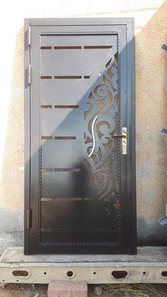 Main Gate, Main Door, Iron Gates, Iron Doors, Door Gate Design, Duplex House Design, Steel Doors, House Painting, Decoration