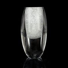 "TIMO SARPANEVA - Glass sculpture ""'Claritas"" for Iittala 1985, Finland. [h. 22 cm] Glass Design, Design Art, Glass Art, Vase, Ceramics, Sculpture, Crystals, Glass, Finland"