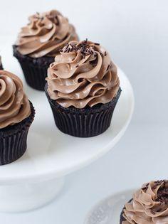 ... nutella bomb cupcakes ...