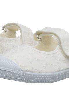 Cienta Kids Shoes 76998 (Toddler/Little Kid/Big Kid) (White) Girl's Shoes - Cienta Kids Shoes, 76998 (Toddler/Little Kid/Big Kid), 76998-05, Footwear Closed General, Closed Footwear, Closed Footwear, Footwear, Shoes, Gift - Outfit Ideas And Street Style 2017