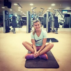 """Genie #Bouchard: """" Spending my last moments of 2014 in the gym """""""