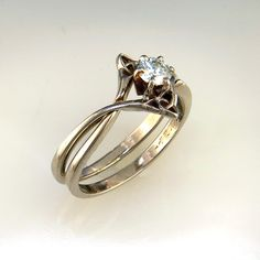 The perfect Celtic engagement ring and wedding band set! The two pieces interlock to become the unique set. Celtic Engagement Rings, Celtic Wedding Rings, Engagement Bands, Wedding Engagement, Art Nouveau, Celtic Rings, Celtic Knots, Wedding Band Sets, Ring Verlobung