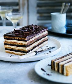 Gâteau Opéra  A gateau with chocolate in it is a gateau indeed <3  #gateau #chocolate #sweet