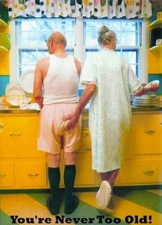 Over the Hill, Getting Old, Senior Citizen Humor - Old age jokes cartoons and funny photos Couples Âgés, Vieux Couples, Older Couples, Famous Couples, Christmas Look, Grow Old With Me, Hippie Man, Growing Old Together, Old Age