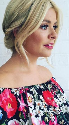 Ooh. Holly Willoughby tries out an *unexpected* new beauty look on holiday...
