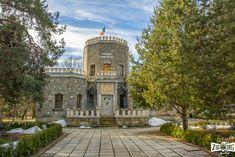 Înconjurat de trei râuri, orașul Câmpina găzduiește, astăzi, Castelul Iulia Hașdeu construit în anul 1894-1896. Trei turnuri cu creneluri, cel din mijloc fiind mai înalt, o fundație în formă de cruce și foarte multă piatră folosită pentru construirea acestui castel te face să înțelegi că acest loc este mai deosebit decât cele vizitate de până
