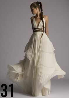 kinda reminds me of Princess Leia crossed w. Lady Amidala w. a little Grecian influence thrown in, I like it!