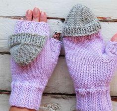 Teje unos Mitones Convertibles preciosos en dos agujas o palillos: tutorial en vídeo paso a paso e instrucciones escritas aquí #mitones #guantes #tejidoamano #tricot #calceta #dosagujas #soywoolly Crochet Gloves, Knitted Hats, Mitten Gloves, Mittens, Free Crochet, Knit Crochet, Knitting Patterns, Crochet Patterns, Crochet Patron